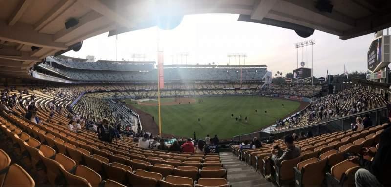 Dodger Stadium, Abschnitt: 166LG, Reihe: R, Platz: 20