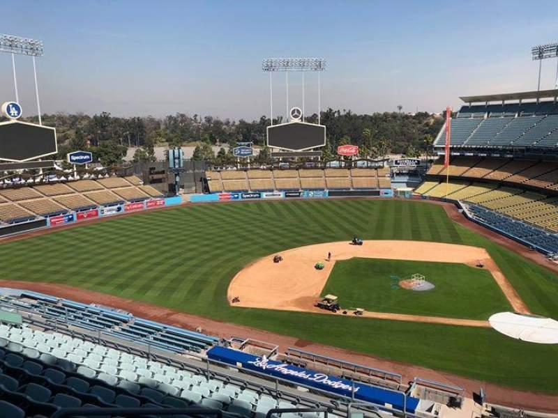 Dodger Stadium, Abschnitt: 11RS, Reihe: L, Platz: 19