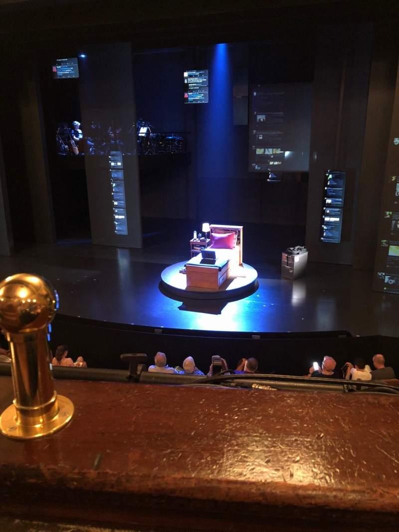 Music Box Theatre, Abschnitt: Mezzanine, Reihe: A, Platz: 2-4