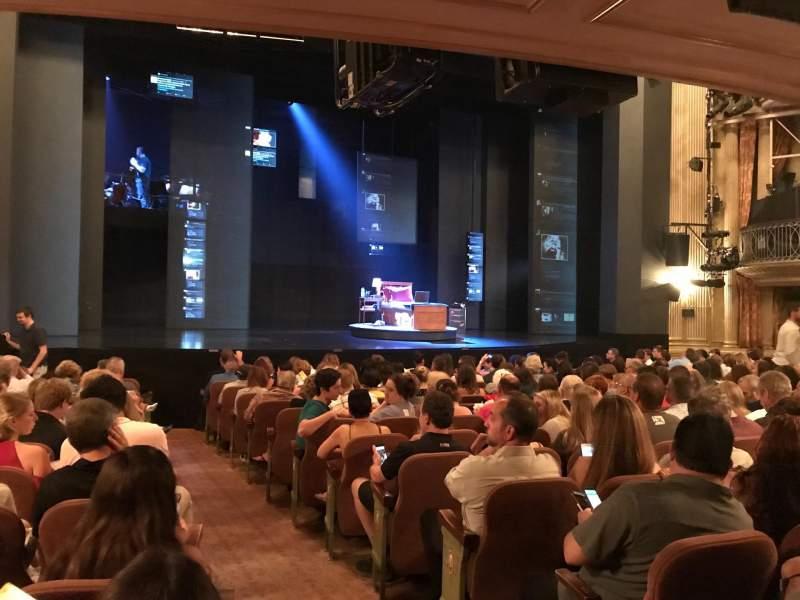 Music Box Theatre, Abschnitt: Orchestra Side, Reihe: O, Platz: 1
