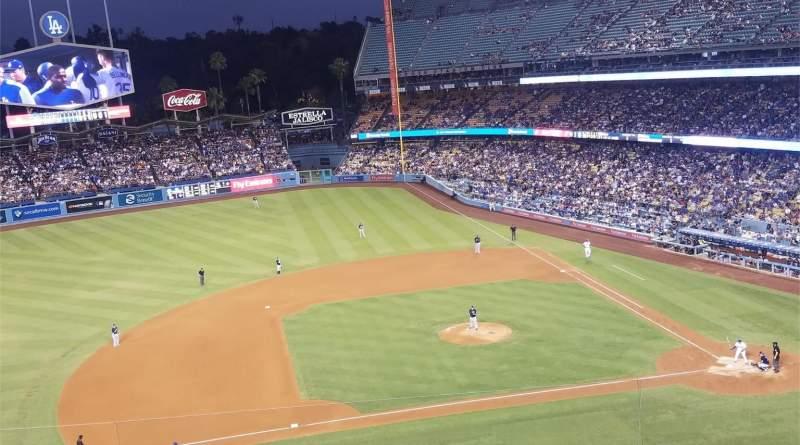Dodger Stadium, Abschnitt: 19RS, Reihe: E, Platz: 3