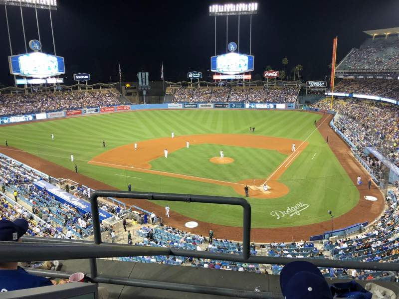 Dodger Stadium, Abschnitt: 5RS, Reihe: 3, Platz: 20