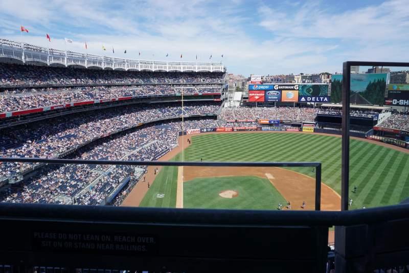 Sitzplatz-Aussicht für Yankee Stadium Abschnitt 418 Reihe 1 Platz 2
