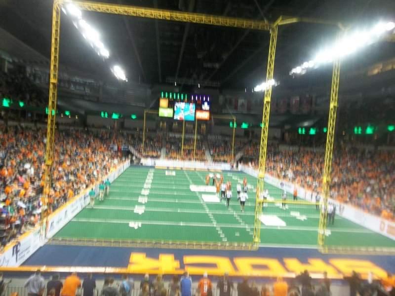Spokane Arena, Abschnitt: 121, Reihe: S , Platz: 4