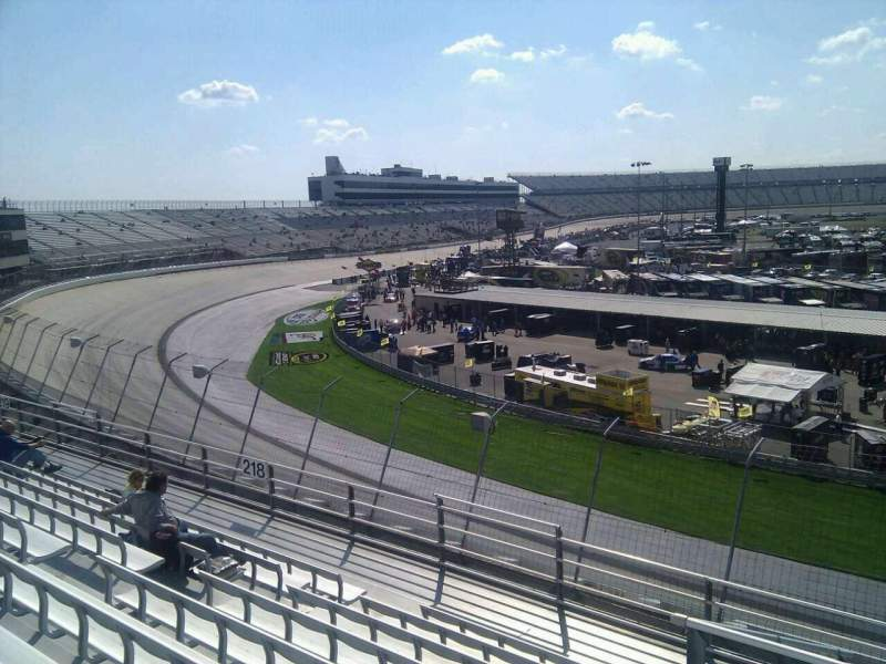 Dover International Speedway, Abschnitt: 217, Reihe: 9, Platz: 9