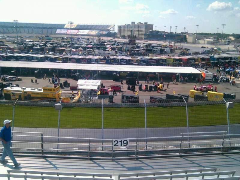 Dover International Speedway, Abschnitt: 219, Reihe: 9, Platz: 9