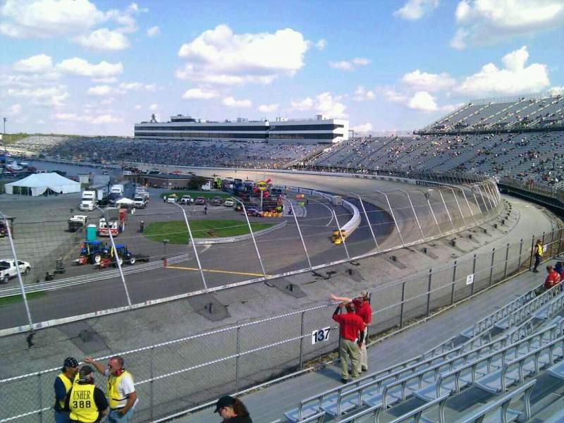 Dover International Speedway, Abschnitt: 138, Reihe: 14, Platz: 9