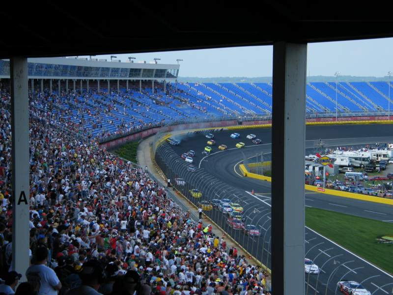 Charlotte Motor Speedway, Abschnitt: J, Reihe: 49, Platz: 24