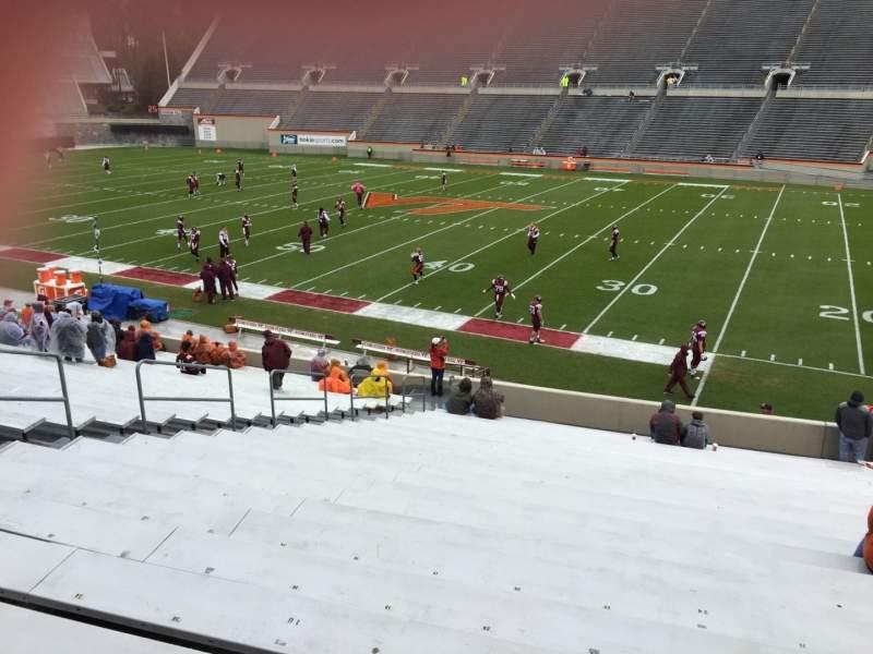 Lane Stadium, Abschnitt: 14, Reihe: CC, Platz: 24