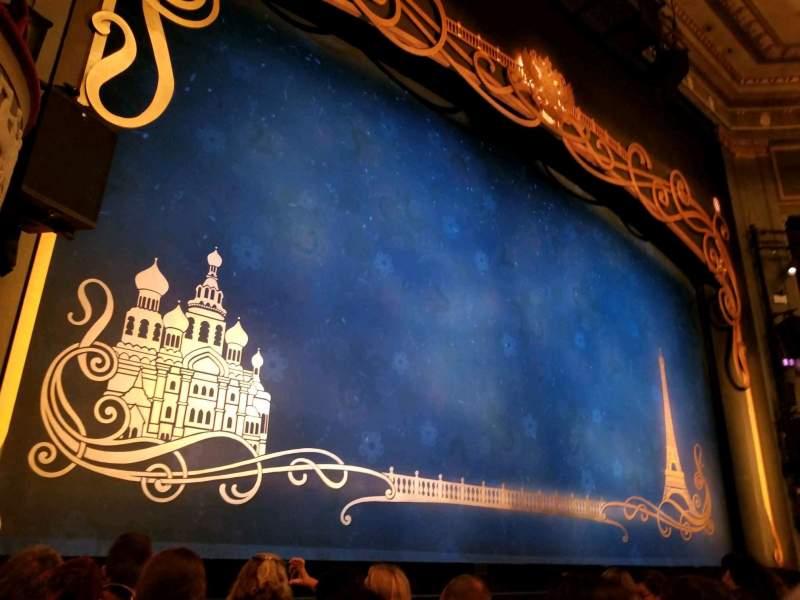 Broadhurst Theatre, Abschnitt: Orchestra Left, Reihe: E, Platz: 5