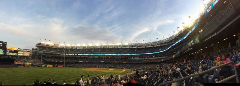 Sitzplatz-Aussicht für Yankee Stadium Abschnitt 131 Reihe 17 Platz 4