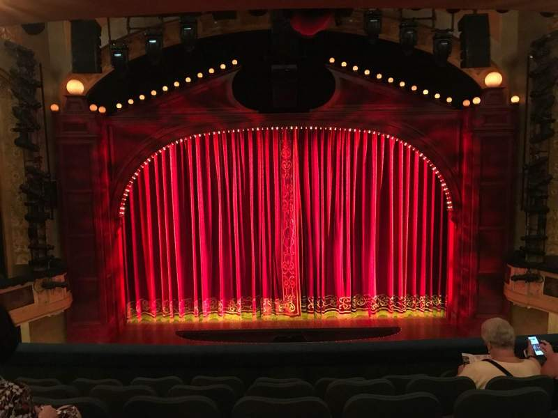 Shubert Theatre, Abschnitt: MEZZC, Reihe: F, Platz: 107 And 108
