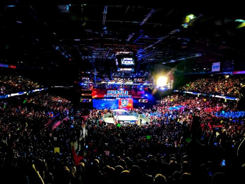 Allstate Arena, Abschnitt: 215, Reihe: L, Platz: 18