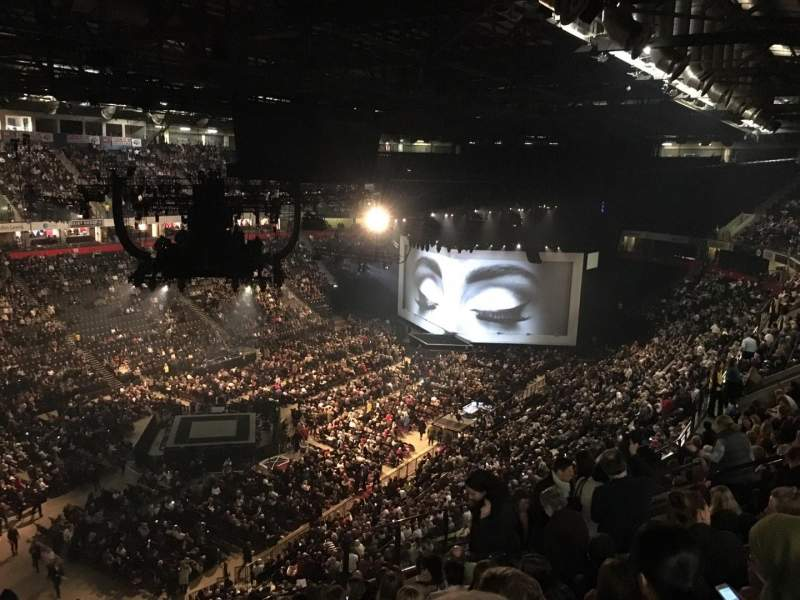Manchester Arena, Abschnitt: 211, Reihe: M, Platz: 20
