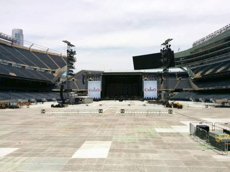 Soldier Field, Abschnitt: 122, Reihe: 4, Platz: 6