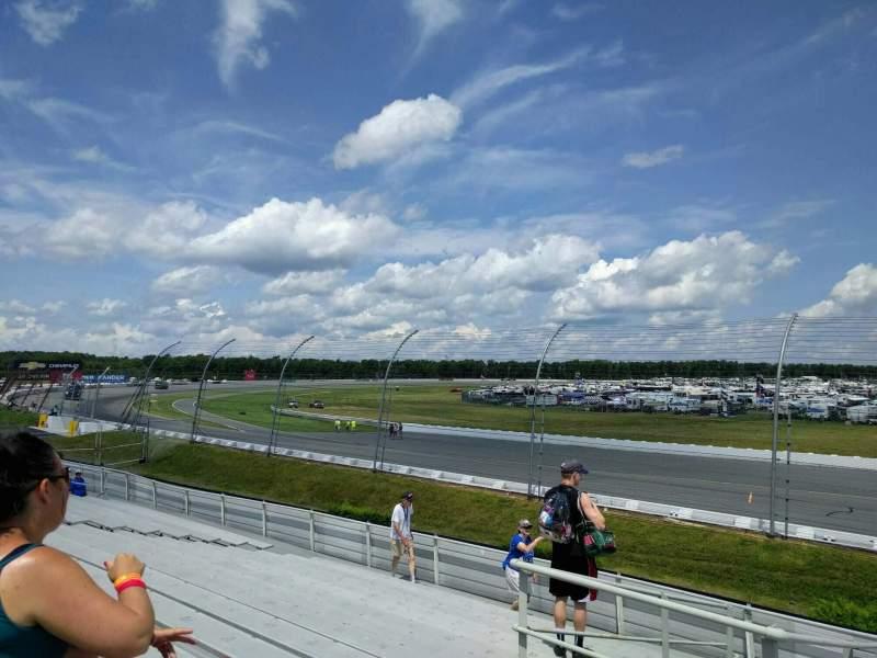 Pocono Raceway, Abschnitt: 142, Reihe: 15, Platz: 11