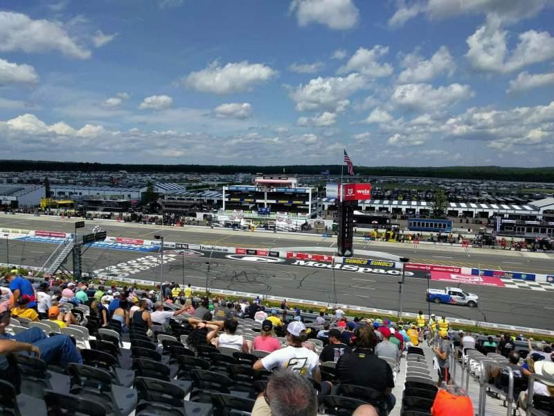 Pocono Raceway, Abschnitt: 232, Reihe: 44, Platz: 22