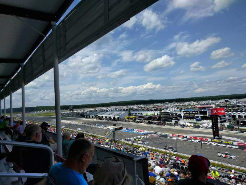 Pocono Raceway, Abschnitt: 319, Reihe: 4, Platz: 5