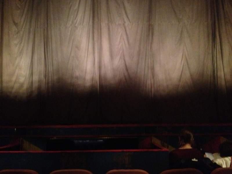Music Box Theatre, Abschnitt: Orchestra Center, Reihe: D, Platz: 106