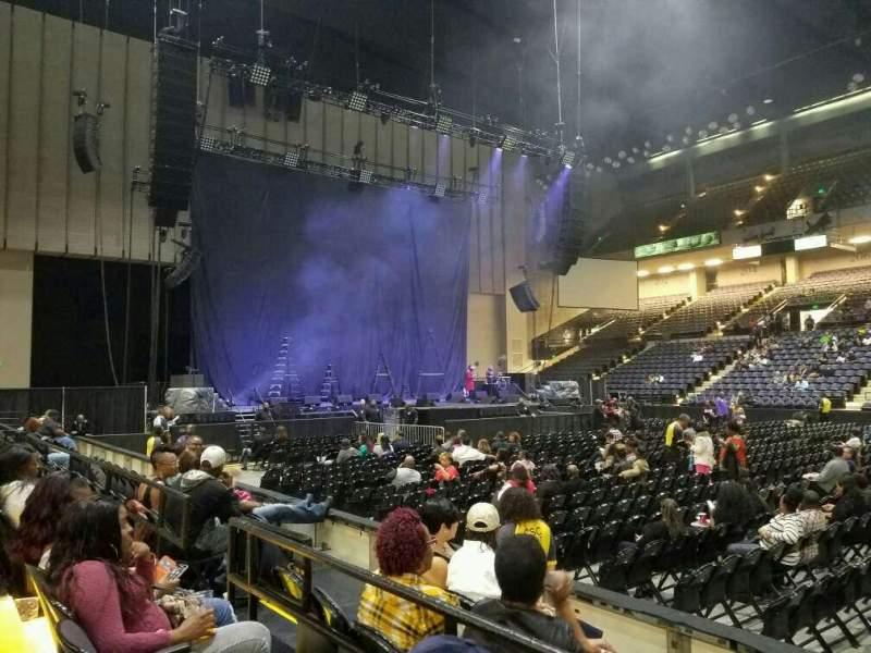 Royal Farms Arena, Abschnitt: 109, Reihe: B, Platz: 7