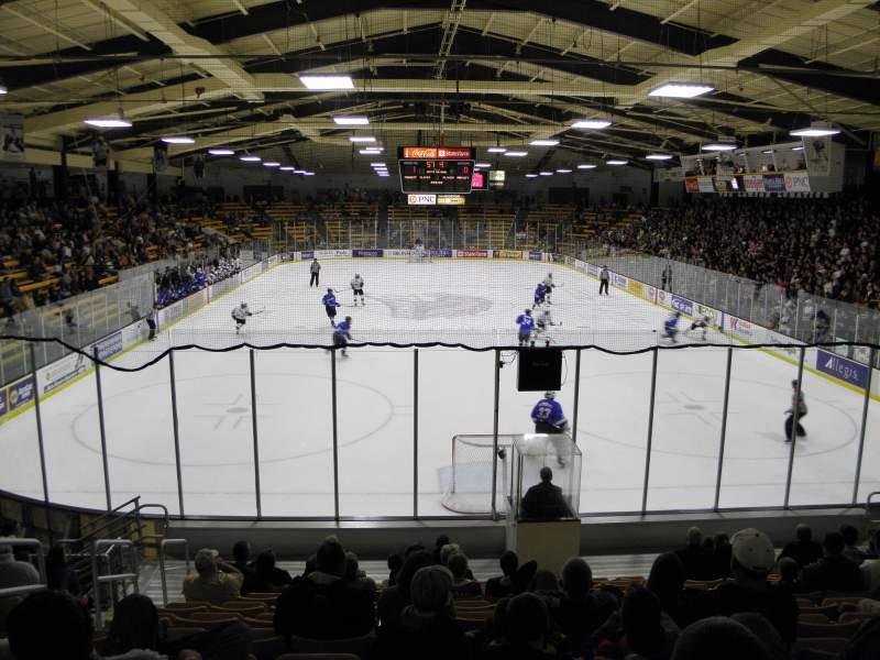 Sitzplatz-Aussicht für Lawson Ice Arena Abschnitt 24 Reihe 11 Platz 25