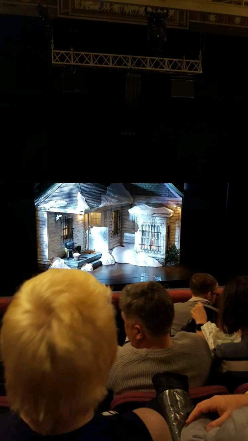 Broadhurst Theatre, Abschnitt: Center Mezzanine, Reihe: D, Platz: 102