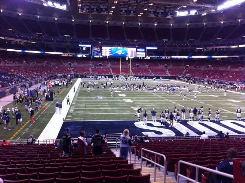 Sitzplatz-Aussicht für The Dome at America's Center Abschnitt 130 Reihe U Platz 2