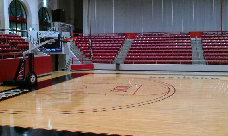 John M. Belk Arena, Abschnitt: 9, Reihe: D, Platz: 3