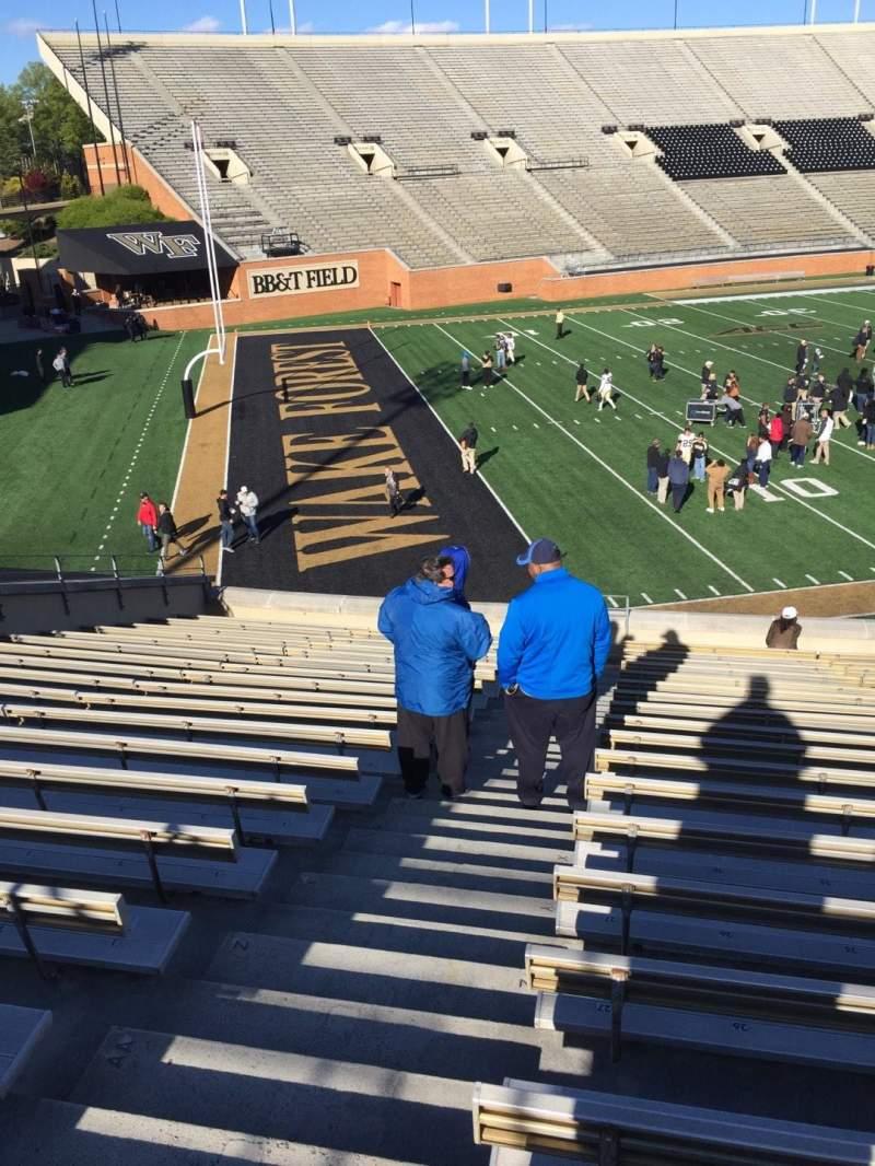 BB&T Field, Abschnitt: 2, Reihe: DD, Platz: 28
