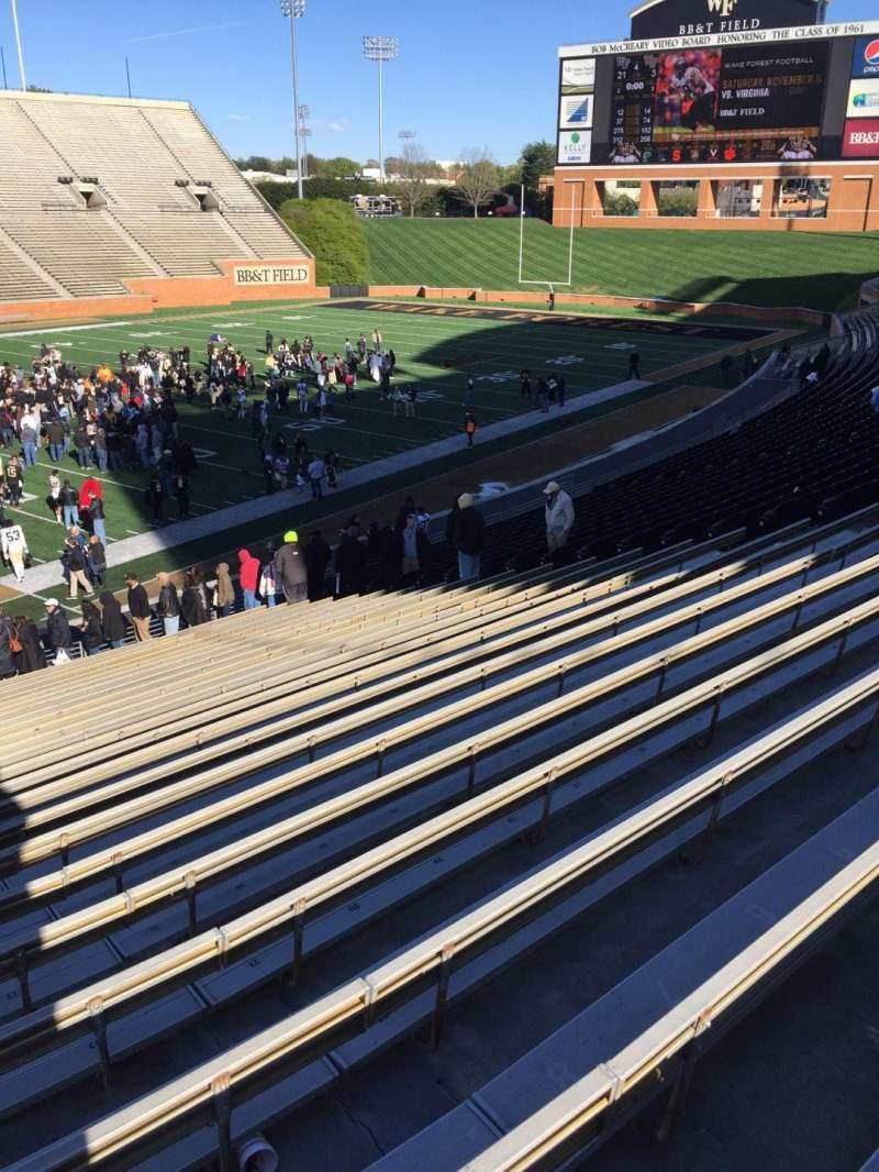 BB&T Field, Abschnitt: 3, Reihe: DD, Platz: 24
